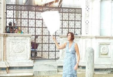 donna bandiera